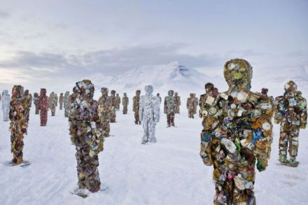 20120301010657-trash-people-arctic-german-artist-ha-schult-625846.jpg